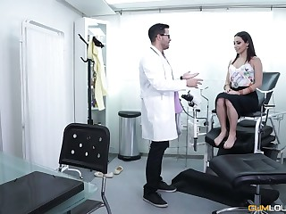 Gynecologist fucks together with licks pussy of Spanish babe Lucia Nieto